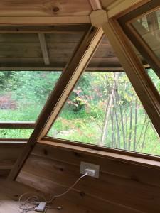 6角形ハウス窓